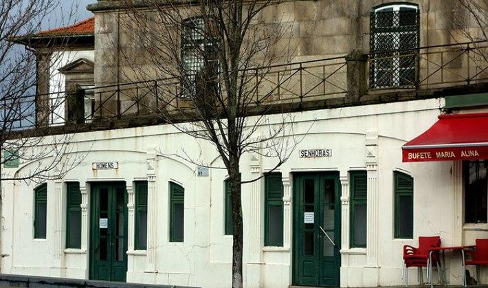 Sanitários públicos ainda existentes na Rua Augusto Rosa