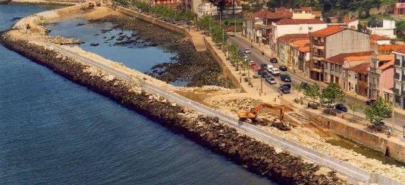 Obras na rua das Sobreiras e na rua do Passeio Alegre (1997) foto internet