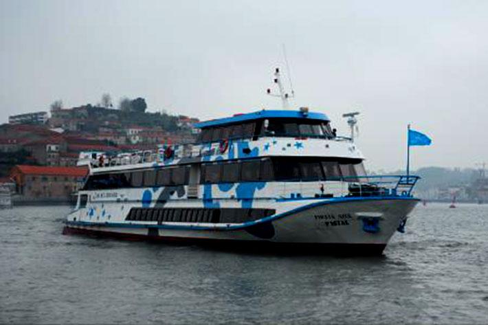 O Pirata Azul - O barco mais elegante do rio Douro