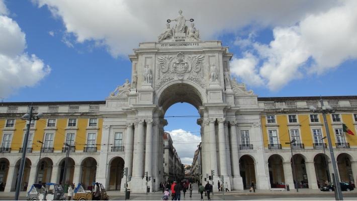 Arco triunfal de entrada a la Baixa