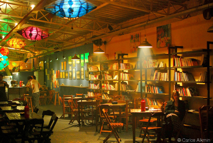"Alternative bookstore (""Livraria da Esquina"") interior - Sao Paulo - by Carlos Alkmin"
