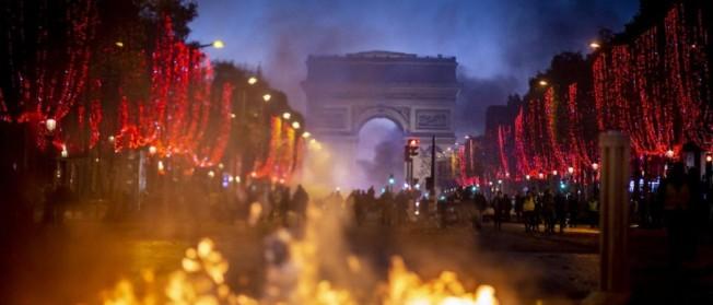 Paris a arder 1