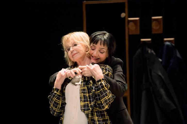 Bulle Ogier e Maria de Medeiros em Um amor impossível, de Christine Angot, com encenação de Célie Pauthe