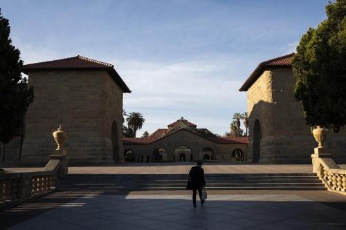 126 Universidade Declinio Faculdades de elite recuam no resgate de dinheiro 1